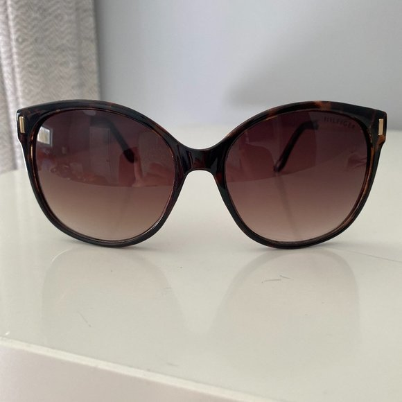 Tommy Hilfiger Sunglasses Brown Tortoise Gold Arms